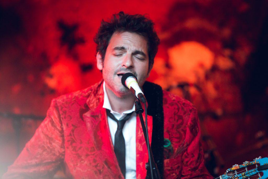Matthieu Chedid offre un concert magnifique à L^A.M.E