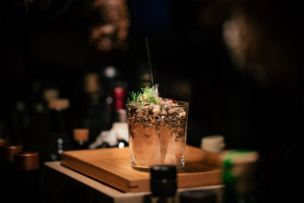 Top 4 des bars à cocktails sur Paris avant le couvre-feu