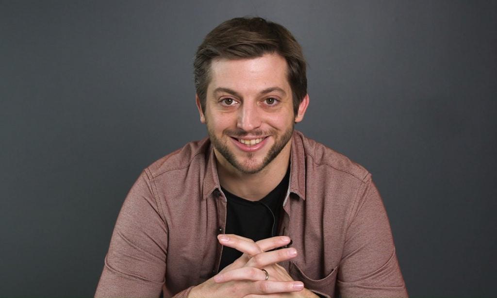 Paul Larrouturou : le chroniqueur de Quotidien est devenu papa !